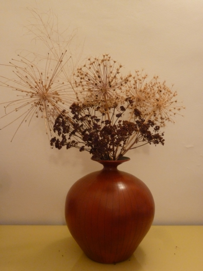 3 varieties of Allium are included